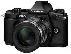 Olympus OM-D E-M5 Mark II + M.Zuiko Digital ED 12-50mm f/3.5-6.3 EZ (Preto)