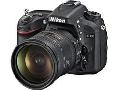 Máquina Fotográfica NIKON D7100 + AF-S DX18-200mm VR