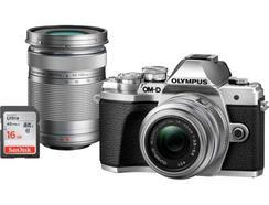 Kit Máquina Fotográfica Mirrorless OLYMPUS E-M10 MKIII DZK IIR + Estojo + SD 16 GB (Prateado – 16 MP – Sensor: Micro 4/3 – ISO: até 25 600)