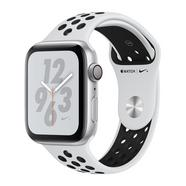Apple Watch Nike+ Series 4 44mm – Alumínio Prateado | Bracelete Desportiva Nike – Platina Pura | Preto